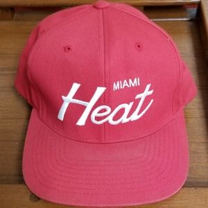 c2a5528d598 Mitchell   Ness Hardwood Classics Miami Heat Cap